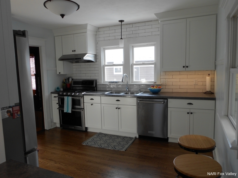 Residential Kitchen $30,000 to $60,000 - Distinctive Renovations